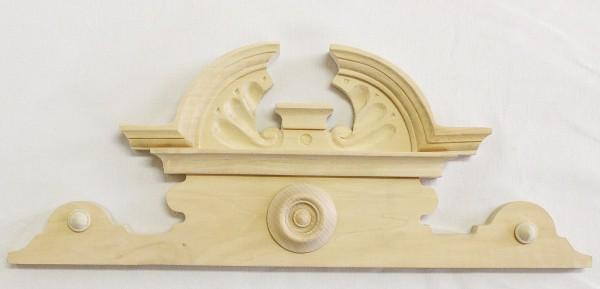 Aufsatz Art. 65119 Kleiner Aufsatz aus Lindenholz. Maße: ca. 455*180 mm
